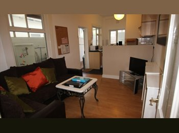 EasyRoommate UK - 4 bed student house to let Southsea, Portsmouth - £90pw, Milton - £360 pcm