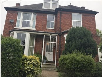 EasyRoommate UK - WHOLE PROPERTY - UNIQUE & STUNNING 1 BEDROOM APARTMENT WITH GARDEN & GARAGE – MAPPERLEY TOP – ORIGIN, Mapperley - £549 pcm