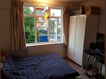 EasyRoommate UK - Large Room to rent £624pcm inc bills., Raynes Park - £625 pcm