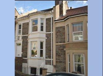 EasyRoommate UK - Large double room, Bedminster - £550 pcm