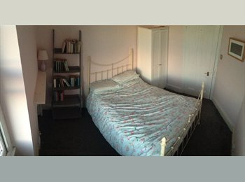 EasyRoommate UK - Beautiful Double Room in Muswell Hill, Muswell Hill - £550 pcm