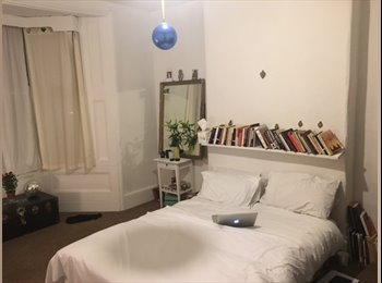 EasyRoommate UK - Double Room Stoke Newington double room £150pw  no bills, no deposit, couples accepted, Stamford Hill - £600 pcm