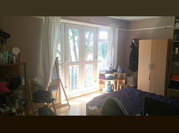 EasyRoommate UK - Very large room with balcony in Stoke Newington off Church Street, Stoke Newington - £760 pcm
