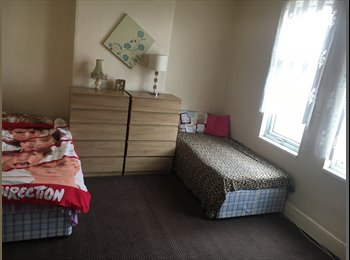 EasyRoommate UK - Room to let single and double in Handsworth , Holyhead Road , Handsworth - £350 pcm