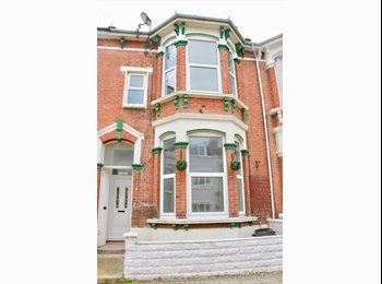 EasyRoommate UK - Rooms Available in Newly Renovated House in Southsea, Southsea - £550 pcm