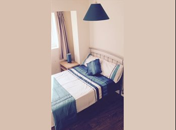 EasyRoommate UK - Rooms in clean friendly house close to city center, Westcotes - £329 pcm