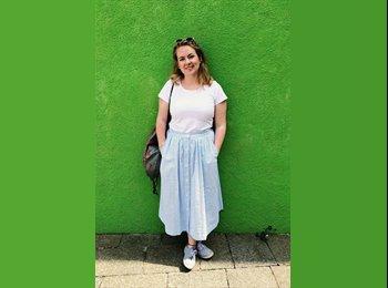 EasyRoommate UK - Melanie - 21 - Reading