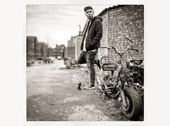 EasyRoommate UK - Artur - 25 - Chichester