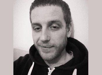 EasyRoommate UK - Anthony - 31 - Harrogate