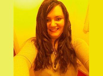 EasyRoommate UK - Magdalena - 30 - Hatfield