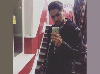 EasyRoommate UK - Karim - 24 - Manchester