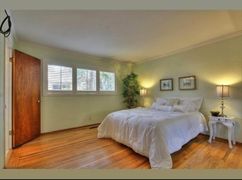 EasyRoommate US - Home sharing with private room, Burbank - $1,200 pm