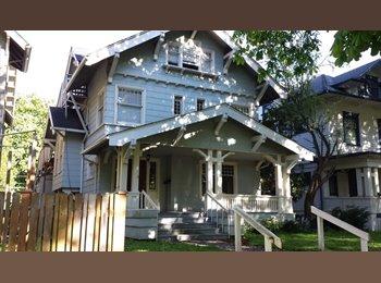 EasyRoommate US - UW Area Student Housing, university District - $700 pm