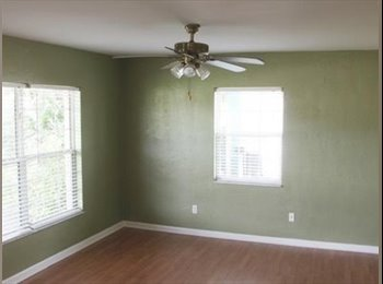 EasyRoommate US - rooms for rent/includes all utilities , Pinellas Park - $700 pm
