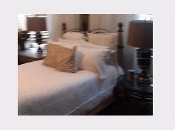 EasyRoommate US - CORONA, Ca, 700.00 One room available 14 x 16 ft. est. , Corona - $700 pm