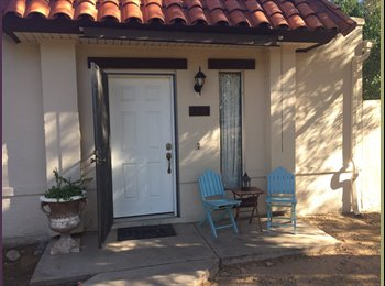 EasyRoommate US - One room , North Mountain Village - $475 pm