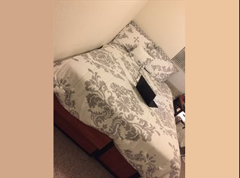EasyRoommate US - FEMALE NEEDED TO TAKE OVER LEASE, Goldenrod - $560 pm