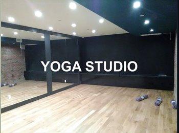 EasyRoommate US - Amazing room in a 3 br apt~gym~rooftop~yoga studio~must see space!!, Bushwick - $917 pm