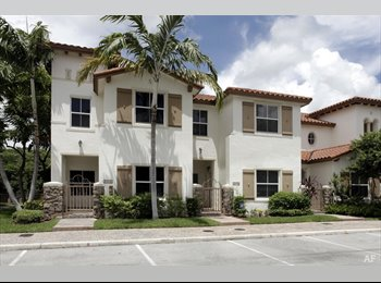 EasyRoommate US - Comfortable and AFFORDABLE living at Aqua Isles ;-), Lauderdale Isles - $700 pm