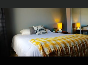 EasyRoommate US - Bedroom and Bathroom for rent in West Hollywood, West Hollywood - $1,400 pm