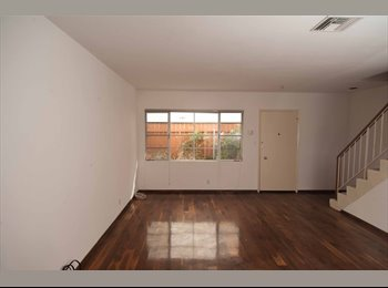 EasyRoommate US - 2 BED 1.5 BATH Available in Santa Monica, CA 90403, Mid-City - $3,000 pm