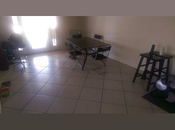 EasyRoommate US - House with HUGE Backyard!!, Dobson Ranch - $500 pm