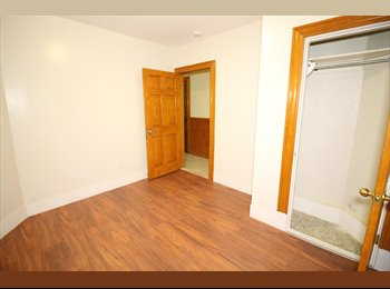 EasyRoommate US - Available Room in 5 bedroom/1 bath/+ Living room, Hyde Square - $760 pm