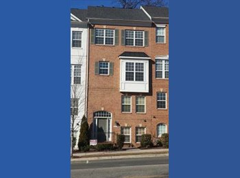 EasyRoommate US - Room in 3 bed/2.5 bath Townhouse, Alcova Heights - $925 pm