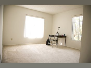 EasyRoommate US - Private Room with Private Bathroom (toilet, shower and tub) 500 Sq ft, Sawtelle - $1,350 pm