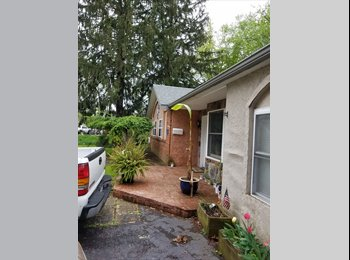 EasyRoommate US - Cozy and private, Somerton - $750 pm