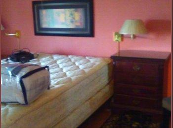 EasyRoommate US - Large  Master Bedroom  11' x 16' , Windsor Woods - $600 pm