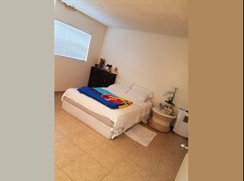 EasyRoommate US - Renting a room 700$ with parking, Canoga Park - $700 pm