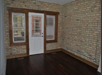 EasyRoommate US - $650 / 4br - Roommate wanted in beautiful four bedroom two floor apartment (Rogers park), Rogers Park - $650 pm