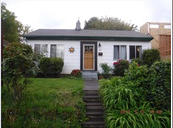 EasyRoommate US - NE Portland house, 1 room mate seeking 1 room mate, pet friendly, Mt. Tabor - $1,000 pm