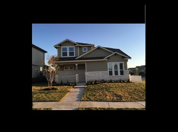 EasyRoommate US - Beautiful house in Great Neighborhood $650 all bills paid move in ASAP, North Lamar - $650 pm