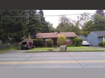 EasyRoommate US - One room for rent--single story house with yard and garage , Ravenna - $900 pm