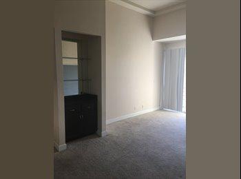 EasyRoommate US -  Shared Room in Mid Wilshire area , La Brea - $650 pm