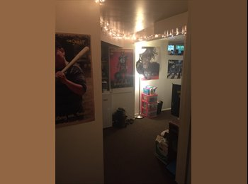 EasyRoommate US - Room for students or young professionals , university District - $777 pm