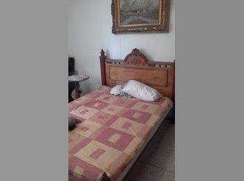 CompartoApto VE - alquilo habitacion amoblada a ejecutiva solvente, Caracas - BsF 70.000 por mes