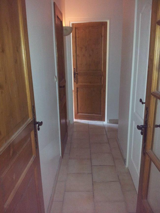 Colocation cergy chambre meubl e colocation f4 cergy for Chambre a louer cergy
