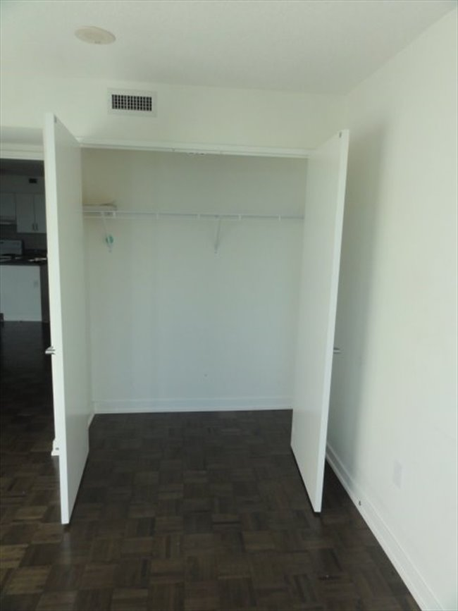 Room for rent in Canada - Bathurst&Front Private Room $900 Shared Room $550 - Image 6
