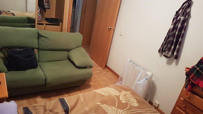 Piso Compartido en San Fernando De Henares - Se busca compañero de piso en habitacion libre | EasyPiso - Image 1