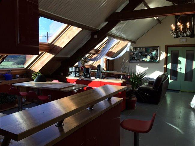 Colocation à Veigné - Superbe Loft T5 dans grande maison avec piscine | Appartager - Image 1