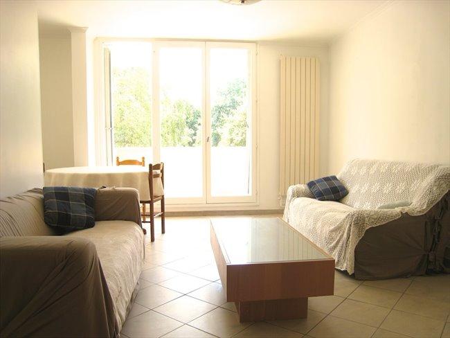 Colocation cergy juillet chambre meubl e avec balcon for Chambre a louer cergy