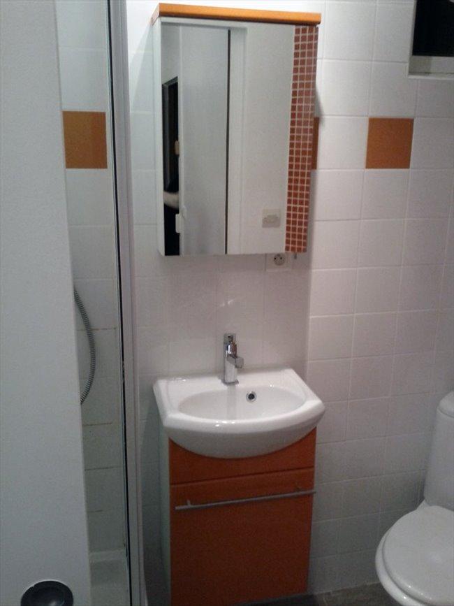 colocation la garde collocation tudiante dans studio de 20m la garde toulon var appartager. Black Bedroom Furniture Sets. Home Design Ideas