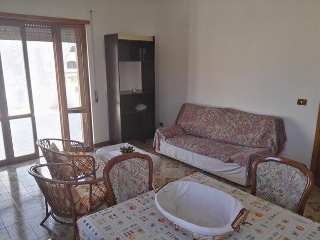 Stanze e Posti Letto in Affitto - Casilino Prenestino - Singole in Attico Ristrutturato   EasyStanza - Image 7