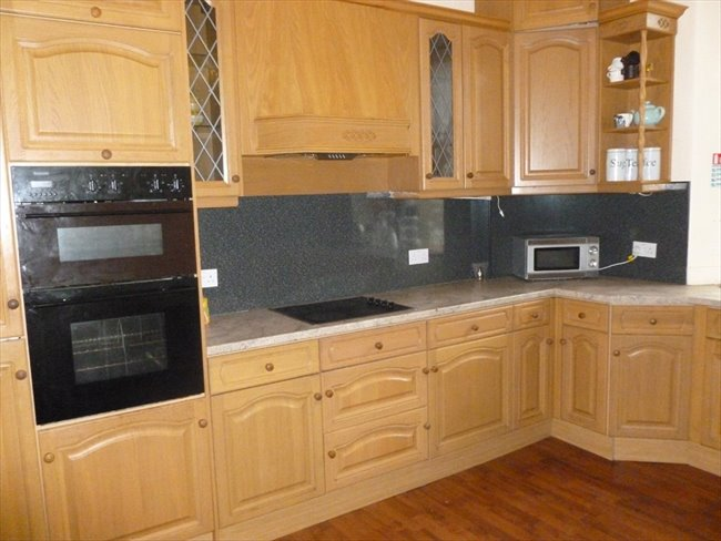 Room to rent in Dumfries -   Large double rooms to rent in town centre - Image 4