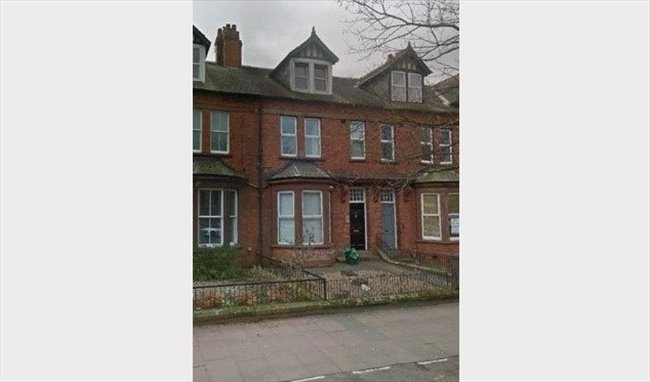 Room to rent in Carlisle - Lovely Victorian Townhouse close to City Centre - Image 2