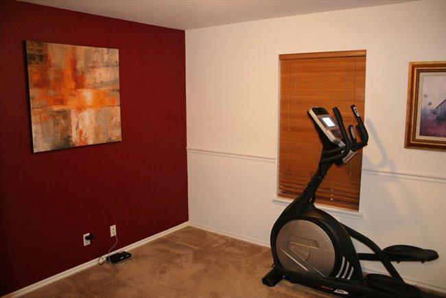 Room for rent in Broken Arrow - Roommate Needed - Image 5