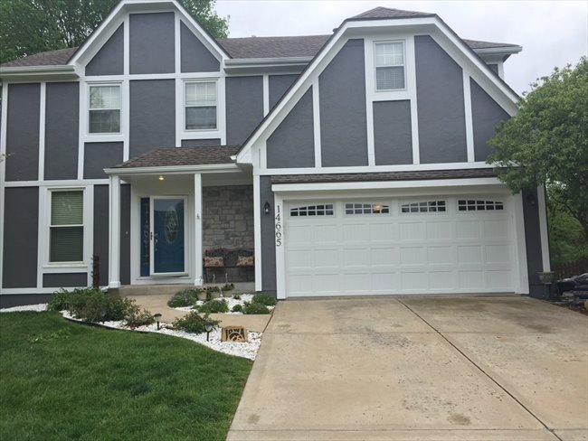 Room for rent in Olathe - House to share. Enjoy lots of privacy. - Image 3